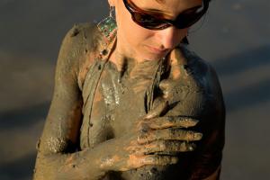 Bain de boue de la Mer Morte